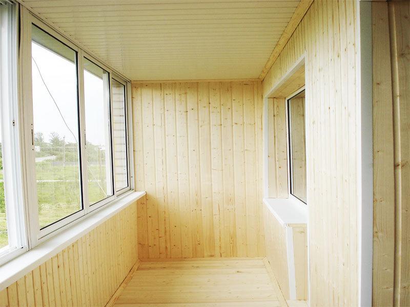 деревянная обшивка балкона
