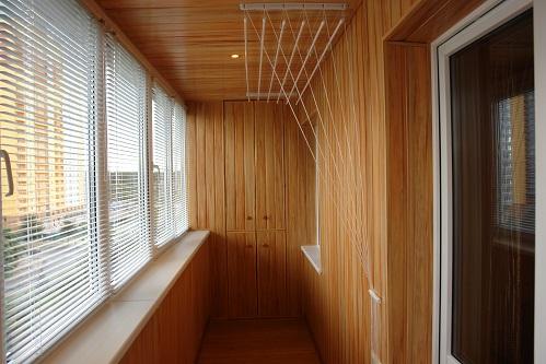 Обшивка балкона вагонкой с пластика